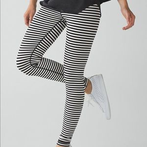 Lululemon bold black angel wing stripe pant 8